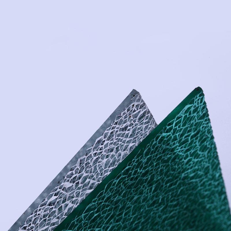 Polycarbonate embossed diamond tinted sheet
